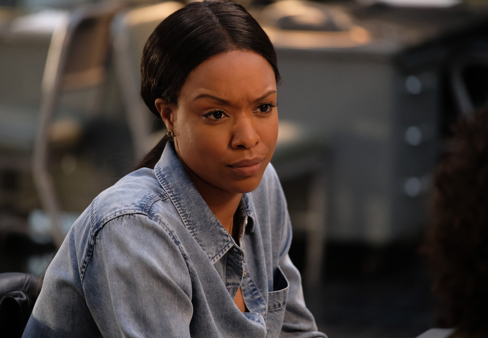 Alisha Wainwright Lethal Weapon preview — lethal weapon season 2 episode 14: double shot of
