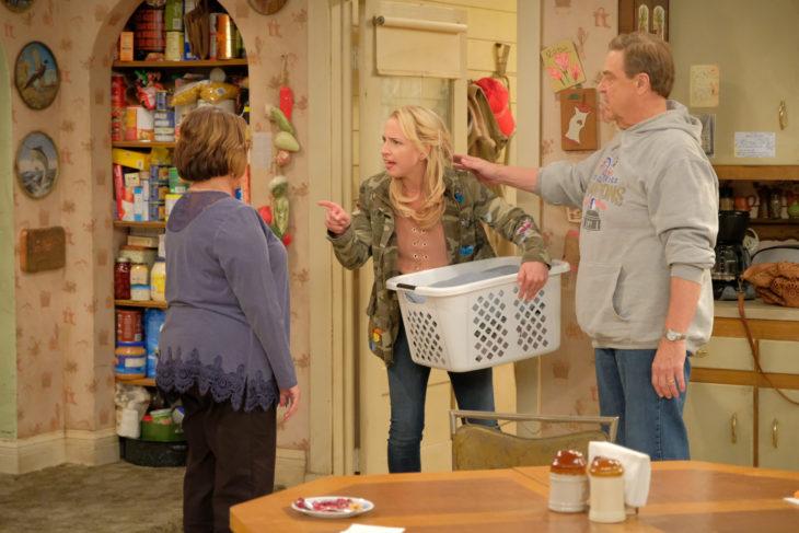 Roseanne Review Eggs Over Not Easy Season 10 Episode 4