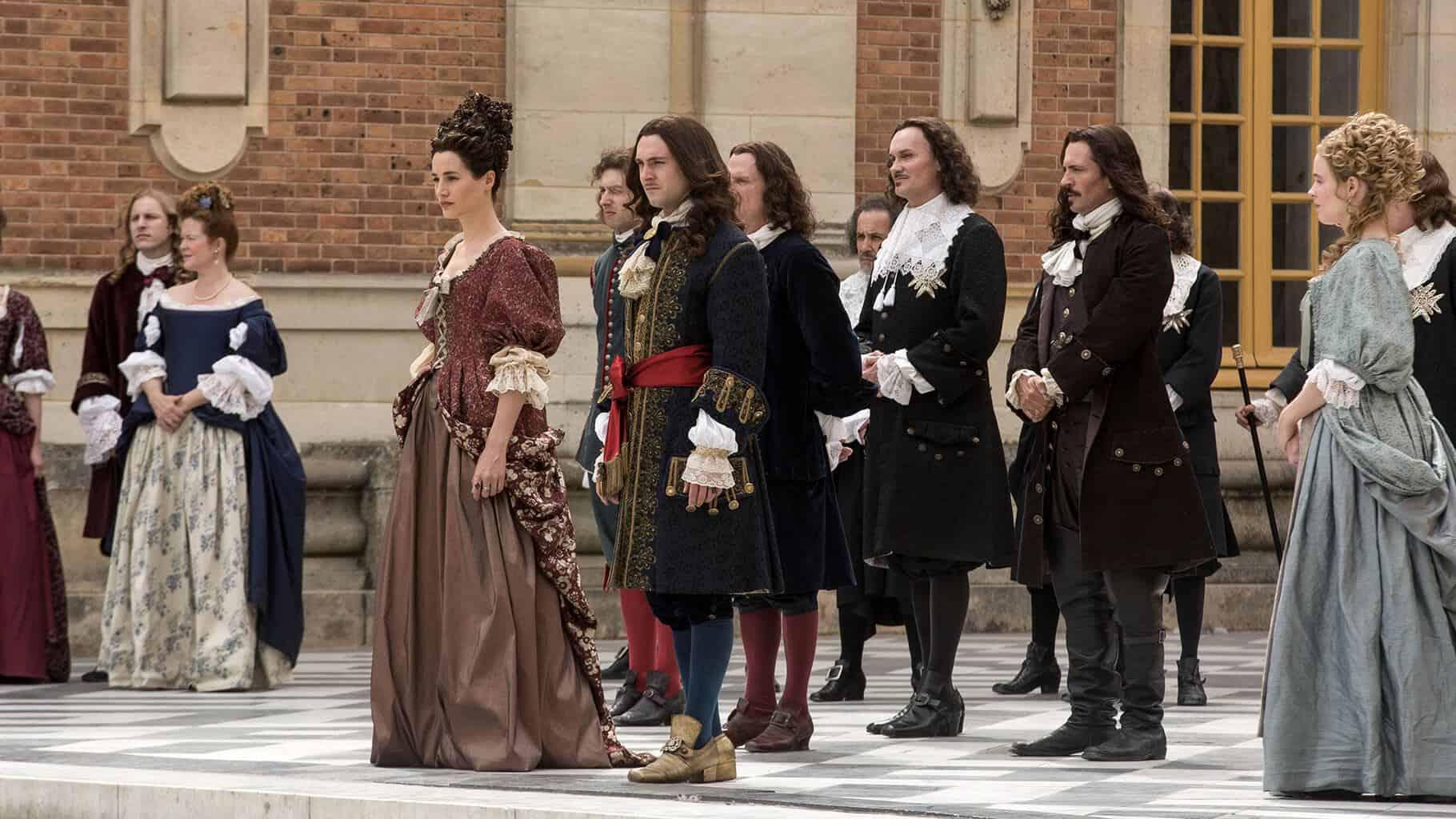 Elisa-Lasowski-and-George-Blagden-in-Versailles-court