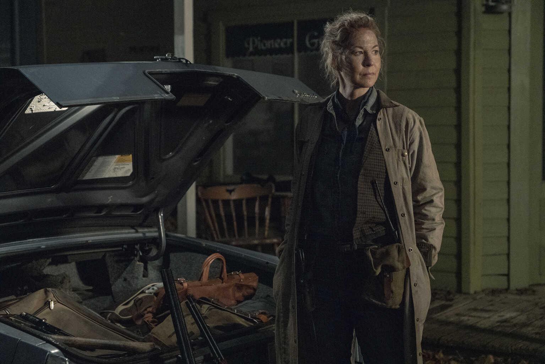 Fear the Walking Dead Season 5 Episode 3 - Jenna Elfman as