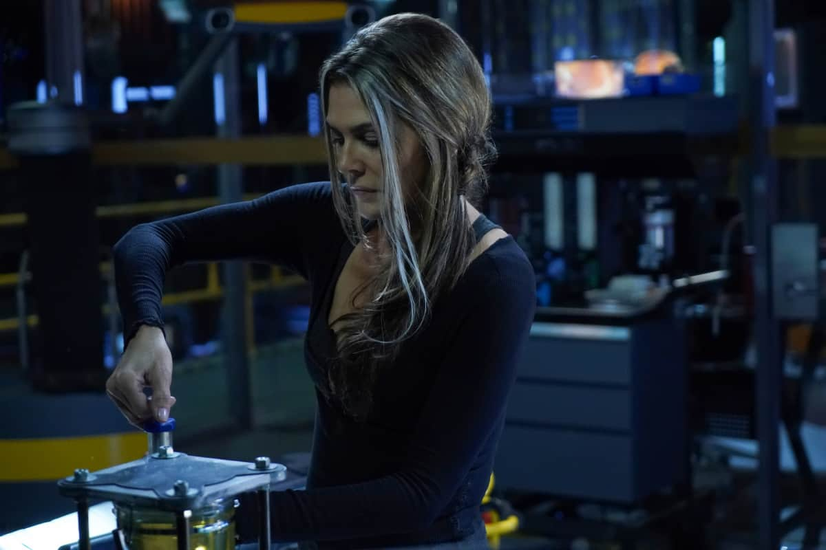The 100 Season 6 Episode 8 - Paige Turco as Abby | Tell-Tale TV